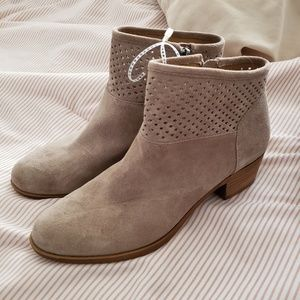 Lucky Brand Boots size 8